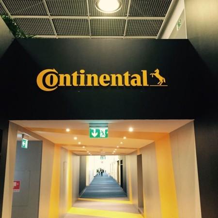 Steffen Freund zu Gast beim Continental-Messestand auf der IAA 2015
